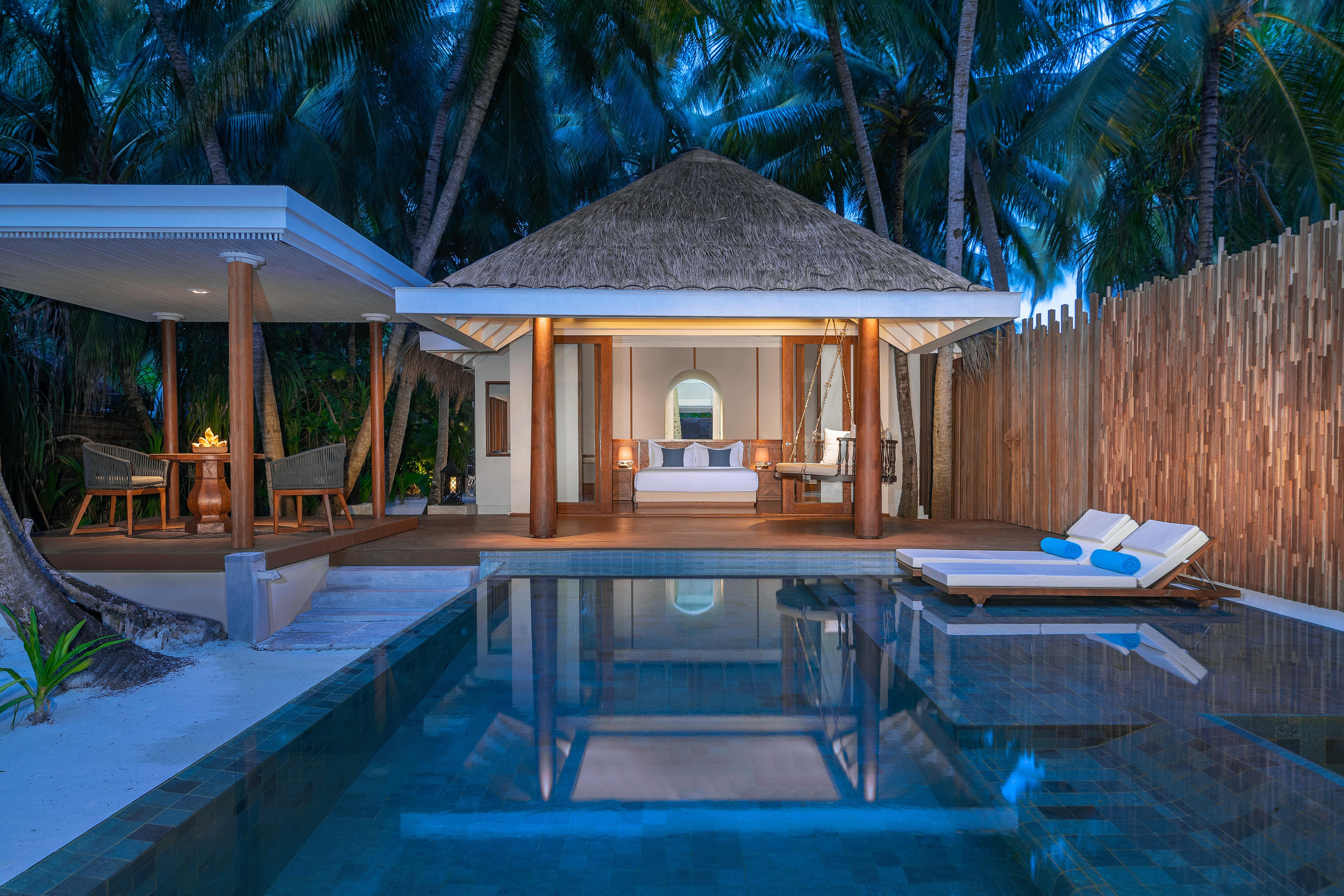 4 Bedroom Beach Pool Residence