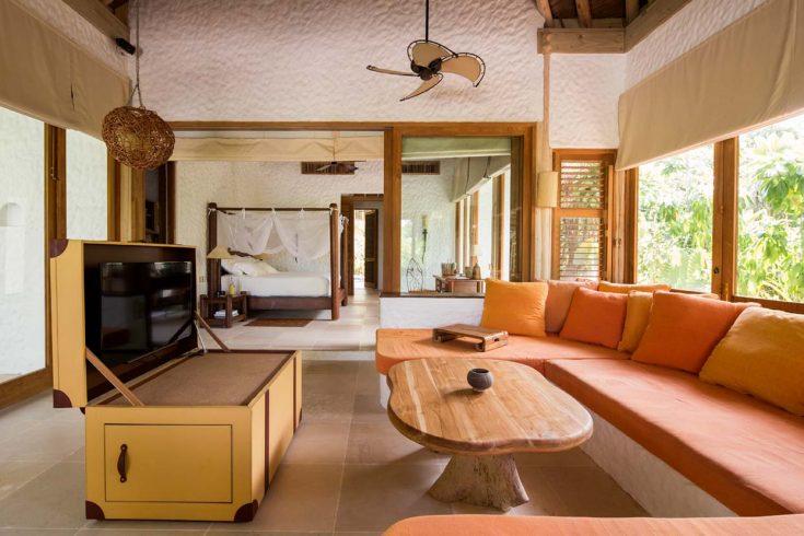 13_Soneva-Fushi-Family-Villa-Suite-Living-Area_by-Richard-Waite