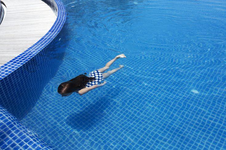 69179218-H1-PNIY_BLU_Kids_Swimming_01_G_A_L