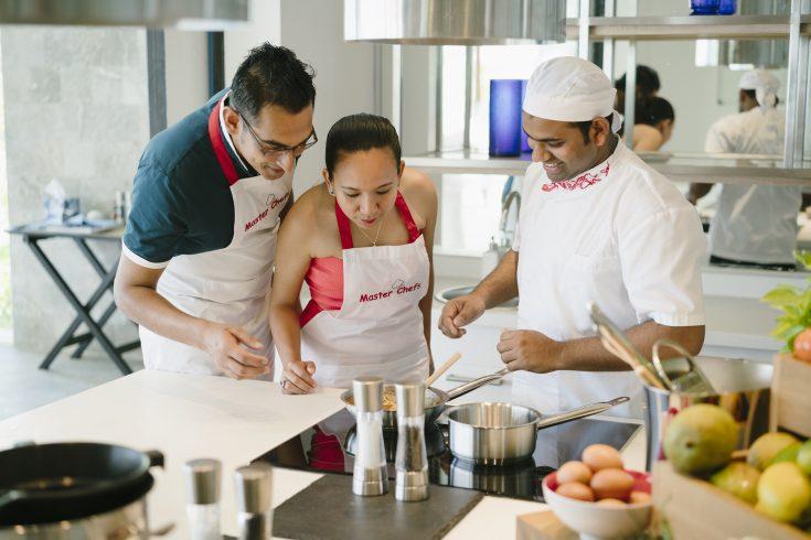 72306457-H1-PNIY_Blu_Cooking_Class_Chef_Customers_05_G_A_L