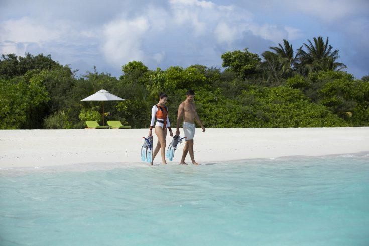 79130934-H1-AKIH_Beach_Snorkel_walk_02_G_A_H