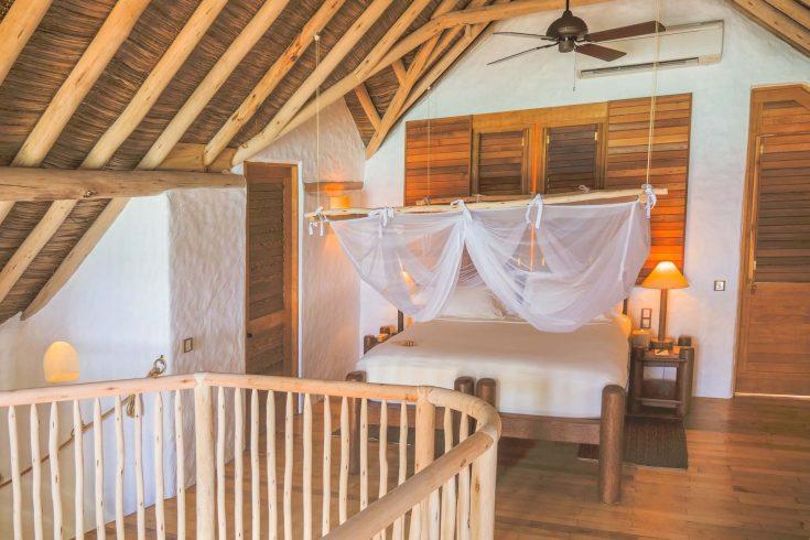 Crusoe-Villa-2BR-with-pool_Master-Bedroom-by-Alicia-Warner-1