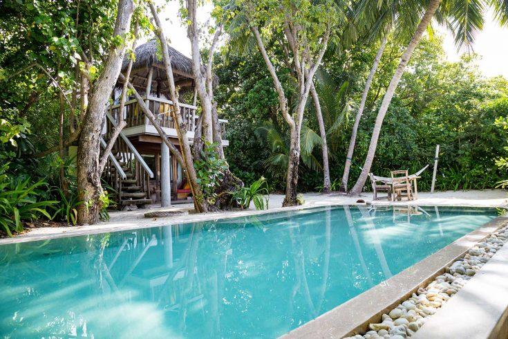 Crusoe-Villa-with-Pool-Pool_by-Martin-Whiteley