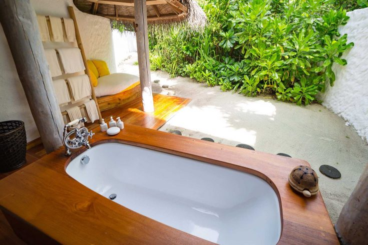 Crusoe-Villa-with-Pool_Bathroom-by-Martin-Whiteley