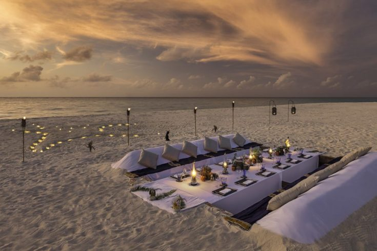 Dream_island_dinner-1024x576