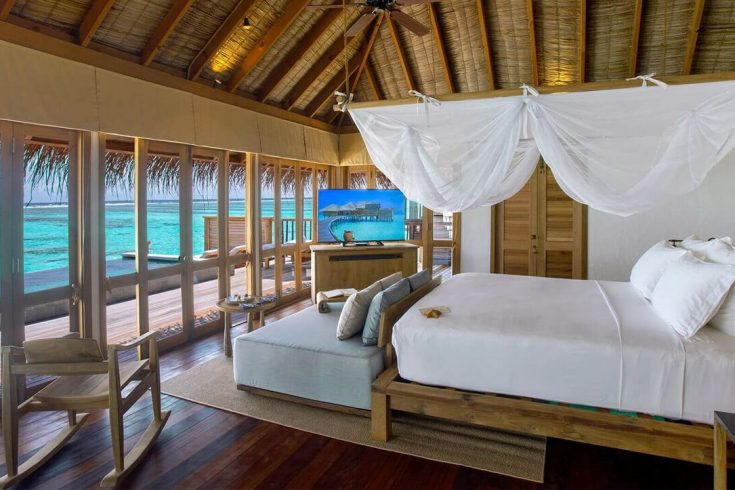 GLM_Family-Villa-with-Pool-Master-Bedroom