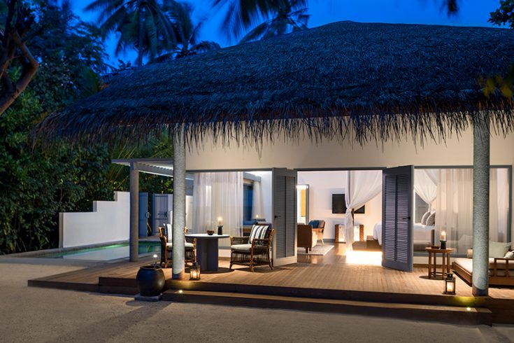 RMM_1357804_Raffles_Maldives_Dhevanafushi_Beach_Villa_Exterior