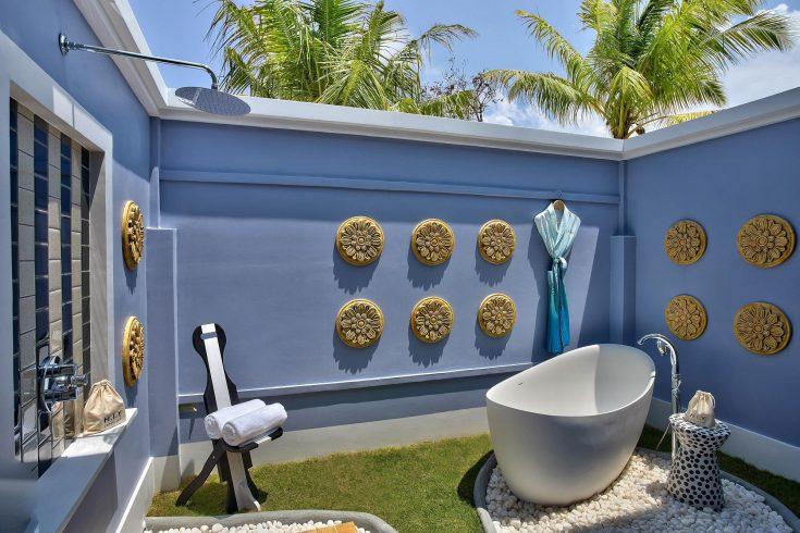 SAii-Lagoon-Maldives-Beach-Villa-Outdoor-Bathtub