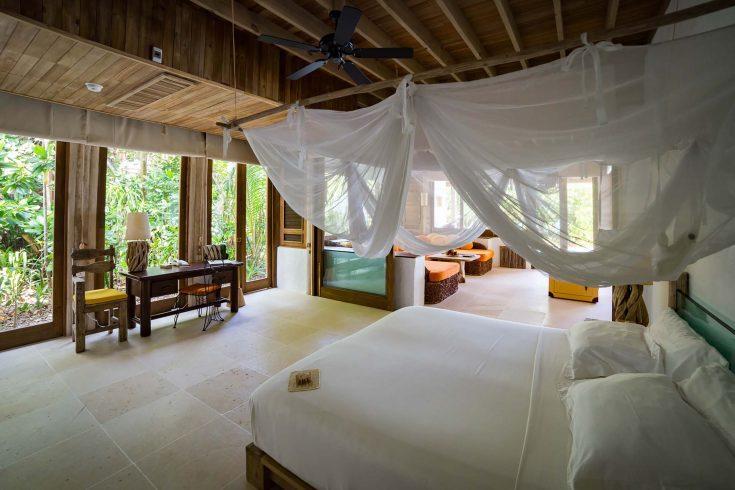Soneva-Fushi-Villa-Suite-3-Bedroom-with-Pool-V.9_Master-Bedroom-by-Martin-Whiteley