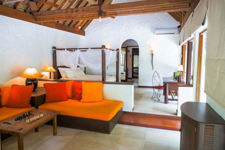 Soneva-Fushi-Villa-Suite-4-Bedroom-with-Pool_Master-Bedroom-by-Alicia-Warner-CC