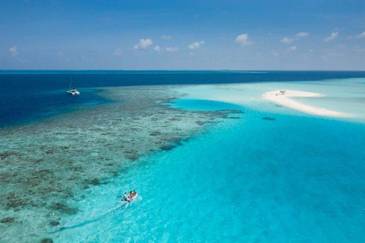lnma-catamaran-sandbank