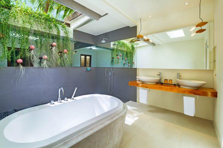 mlewh-oasis-bathroom-8529-hor-clsc