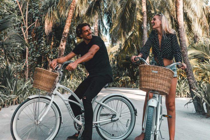 oorr-couple-bicycles-ugc-1