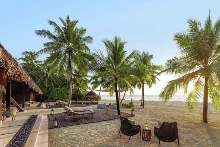 oorr-twovilla-residence-outdoor-living-area
