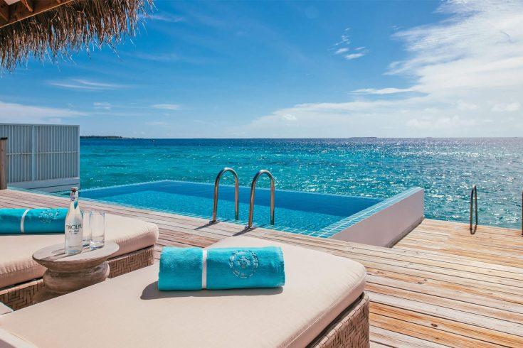 villa-ocean-pool-lounge-deck-gallery