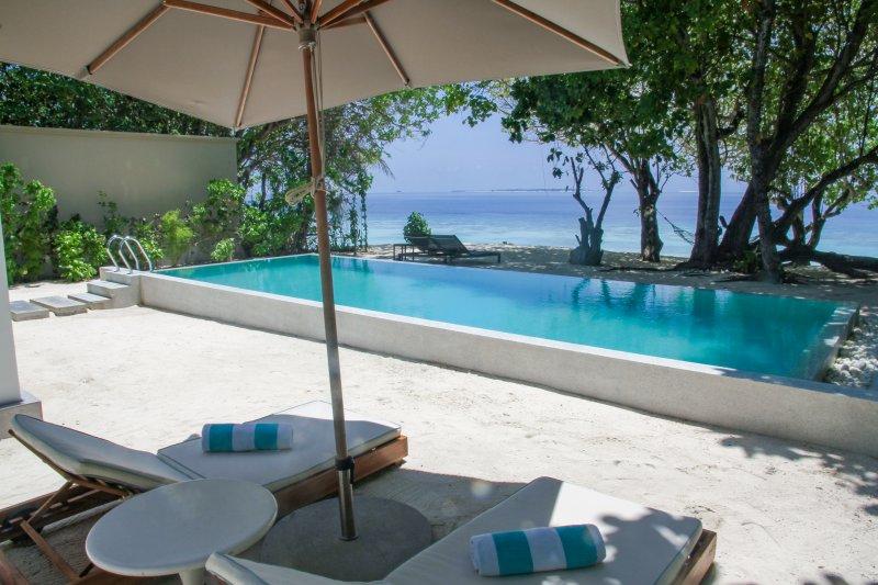 1 Bedroom Beach Pool Villa