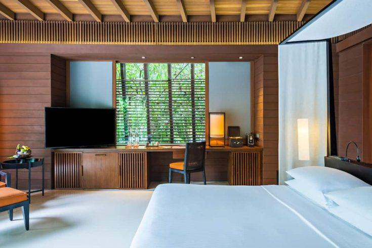 Park-Hyatt-Maldives-Hadahaa-P320-Park-Villa-Bedroom-Desk.16x9