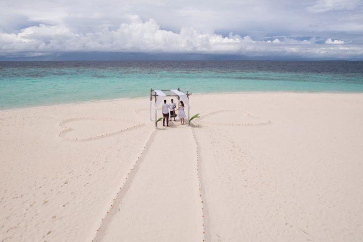 Park-Hyatt-Maldives-Hadahaa-P329-Island-Blessing-Aerial.16x9