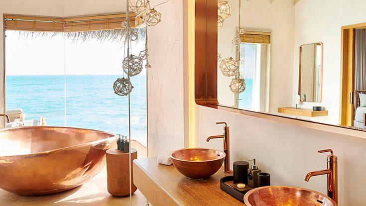 Water Villa Bathroom 01