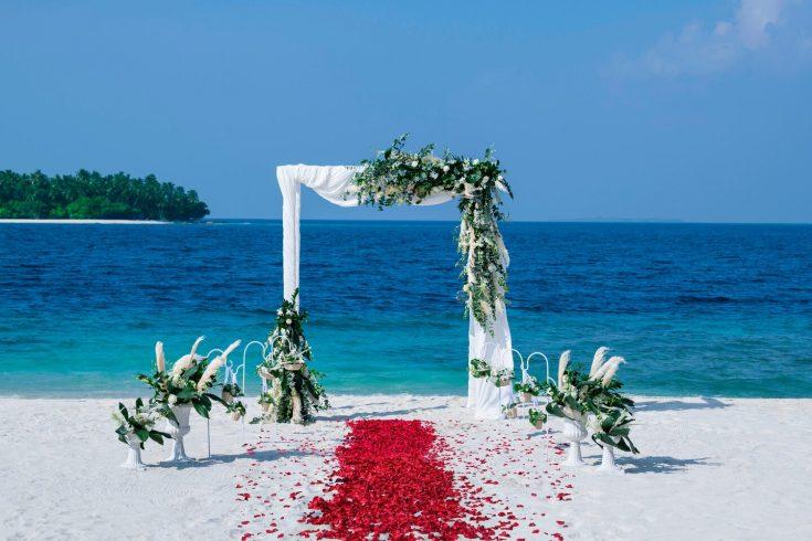 mlewi-beach-wedding-4135-hor-clsc
