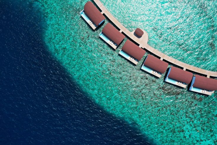 mlewi-overwatersuites-arielview-4080-hor-clsc