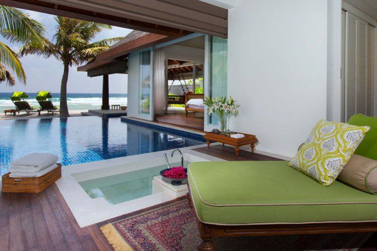 naladhu_private_island_ocean_house_1120x608