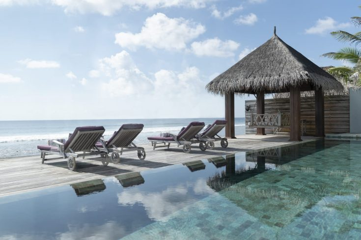 naladhu_private_island_two_bedroom_residence_terrace_1920x1037